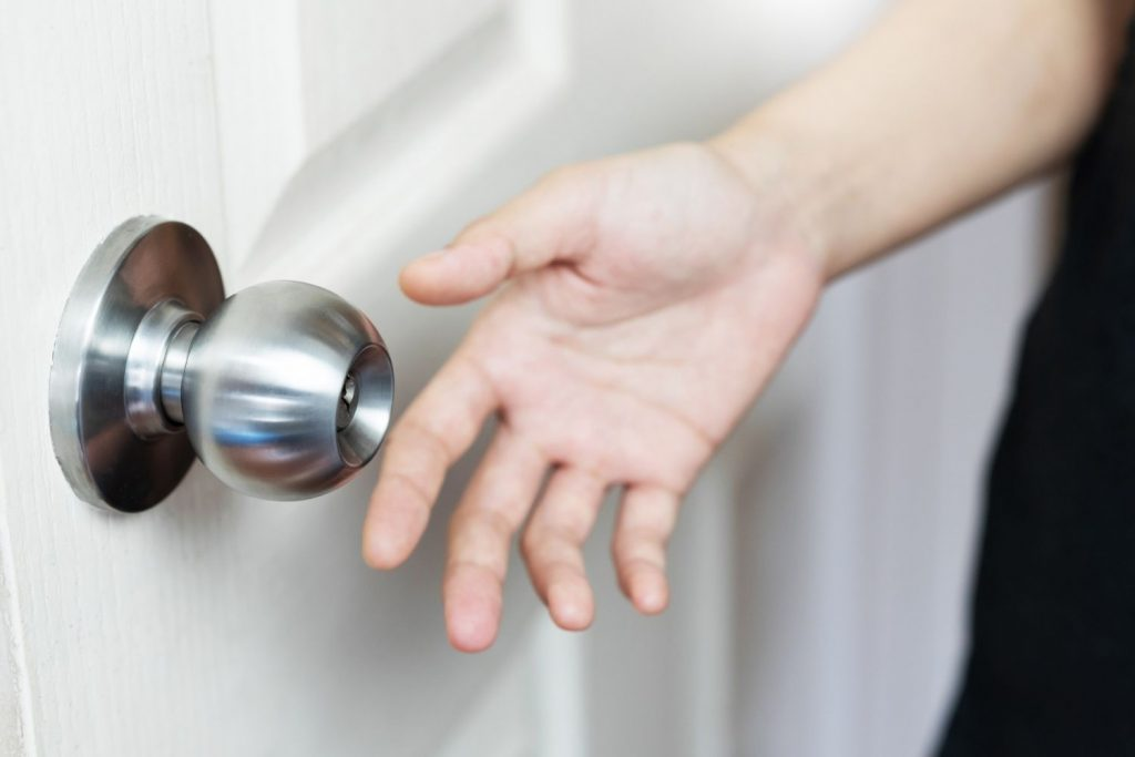 What To Do If A Doorknob Turns But The Door Does Not Open